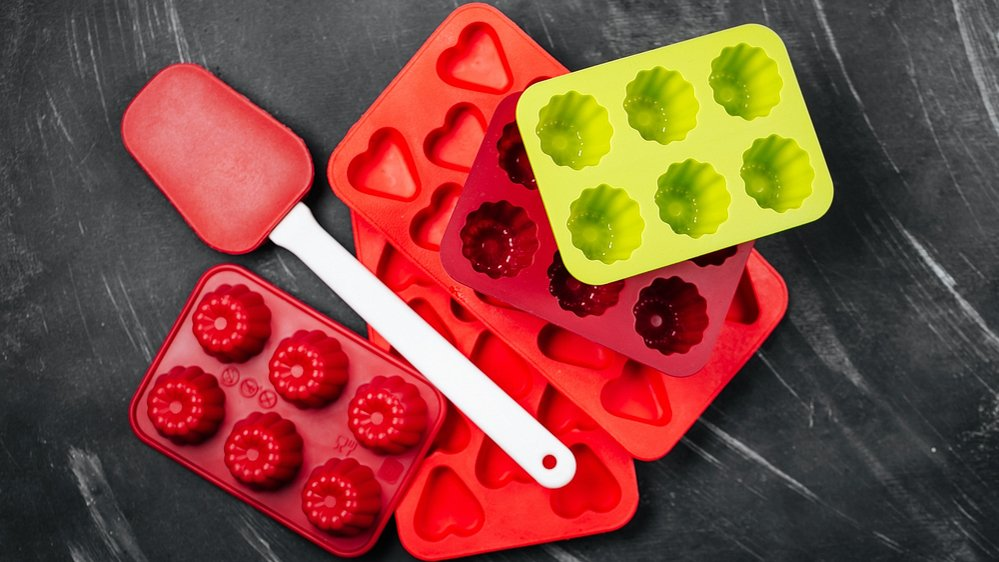 Gummy bear molds in red and yellow